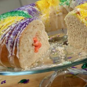 Mardi-Gras-King-Cake-Recipe